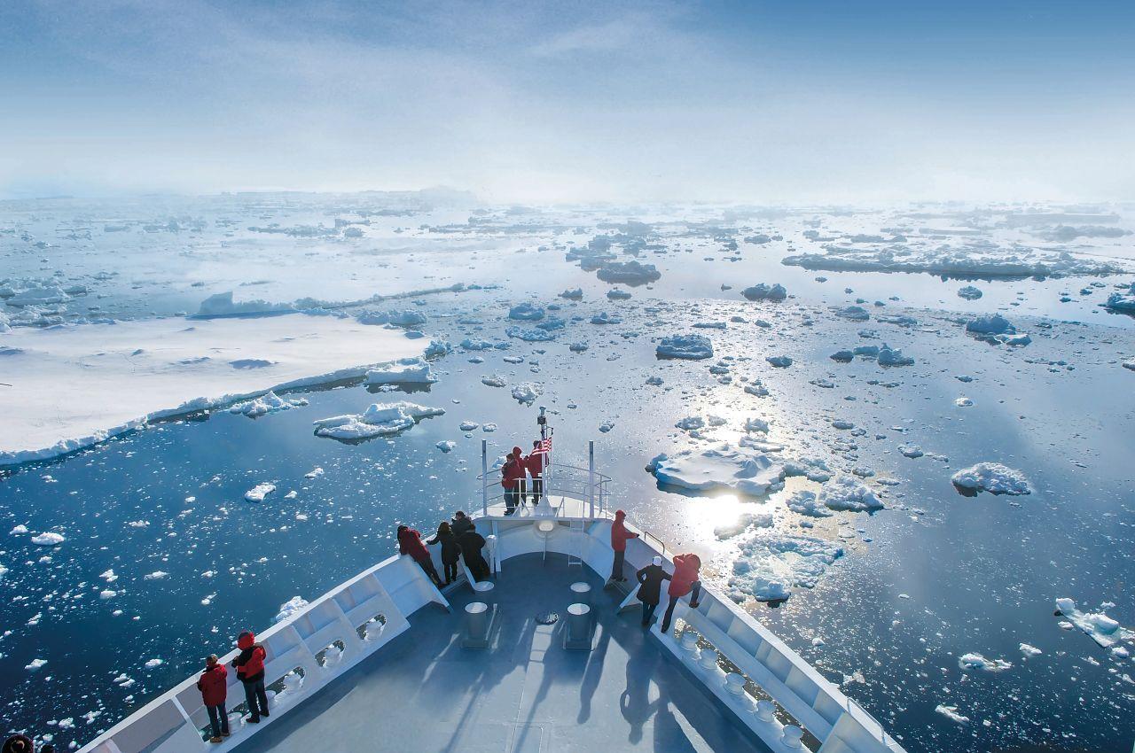 Antarctica-bremen (2)